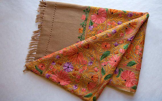 Chal de lana abrigo de la bufanda del bordado