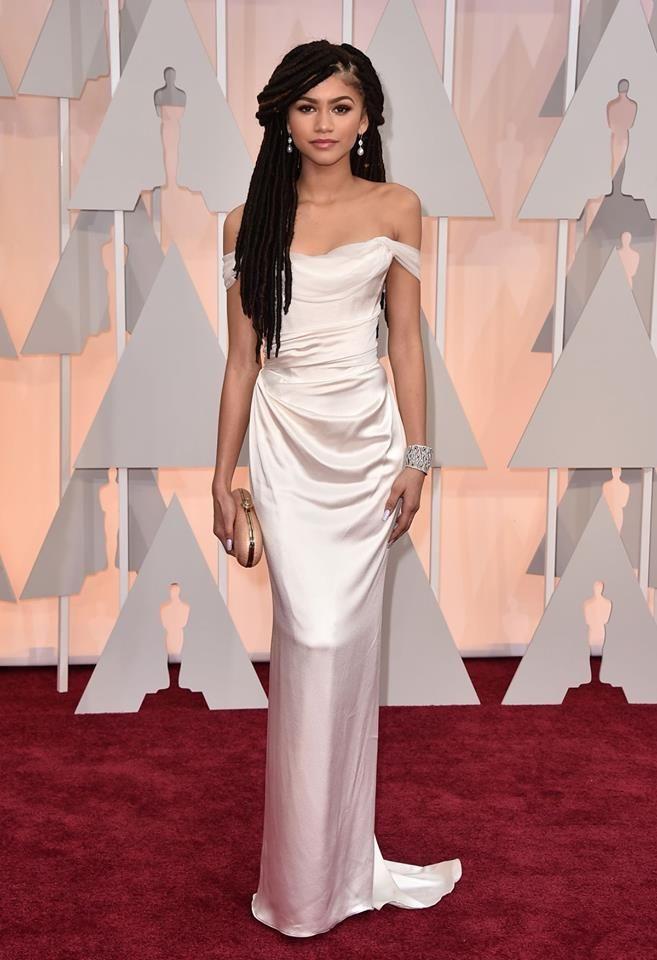 Zendaya Chose To Wear A Vivienne Westwood White Ball Tie