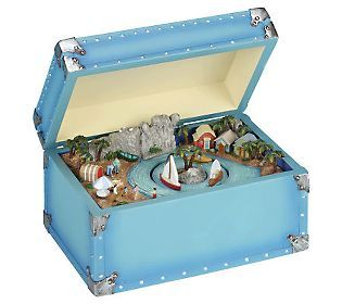 Musical Vacation Trunk by Roman