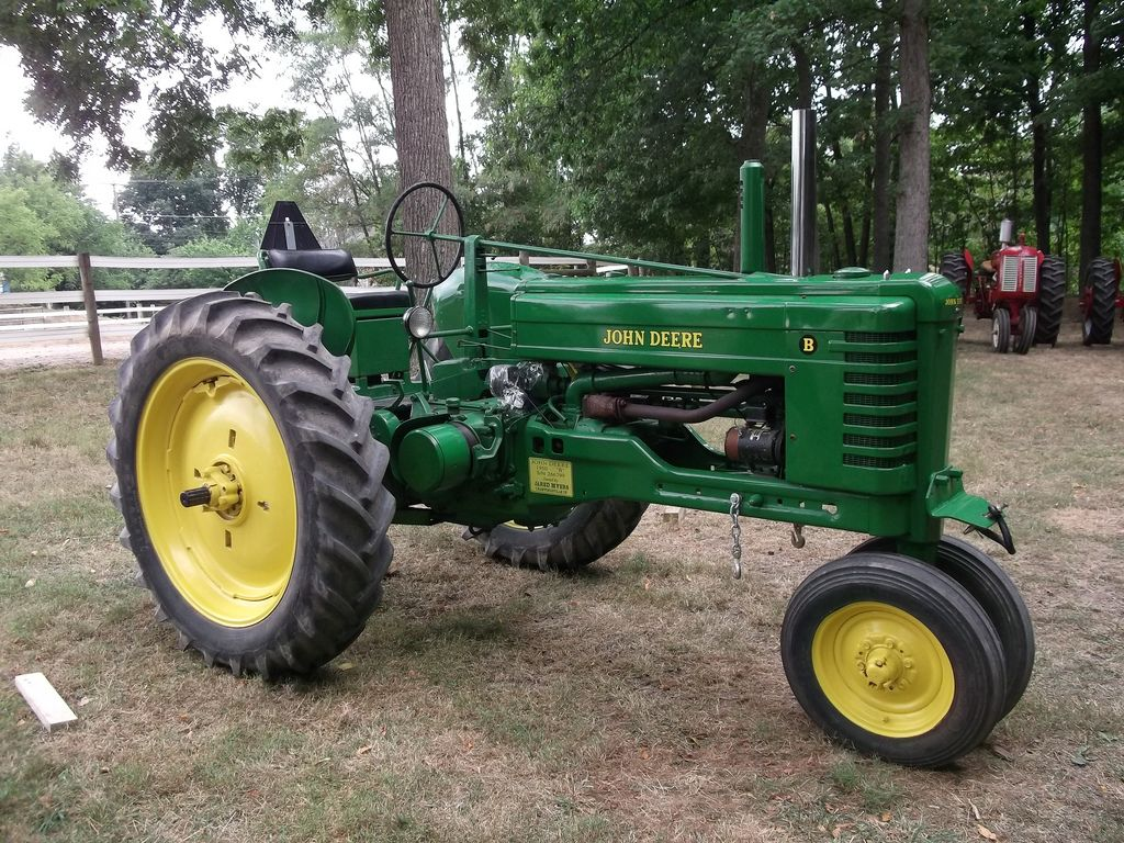 John Deere late styled B. In 1947 the row crop styled tractors received  some updates, including a cushion seat for the A's, B's and G's; and  stamped steel ...
