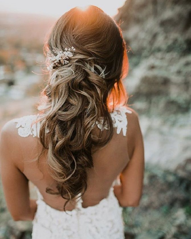 Pretty bridal hairstyle perfect for any wedding venue | Wedding hairstyles