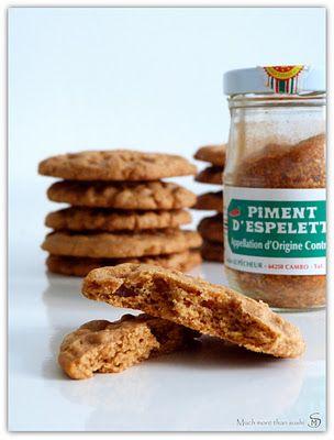Much more than sushi: Quand le monde se gauchise Biscuits piquants au gingembre et piment d'Espelette (ou left hand cookies)