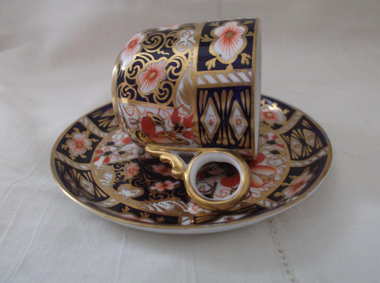 Royal crown derby imari 2451 cup and saucer imari coffee can and royal crown derby imari 2451 cup and saucer imari coffee can and saucer antique reviewsmspy