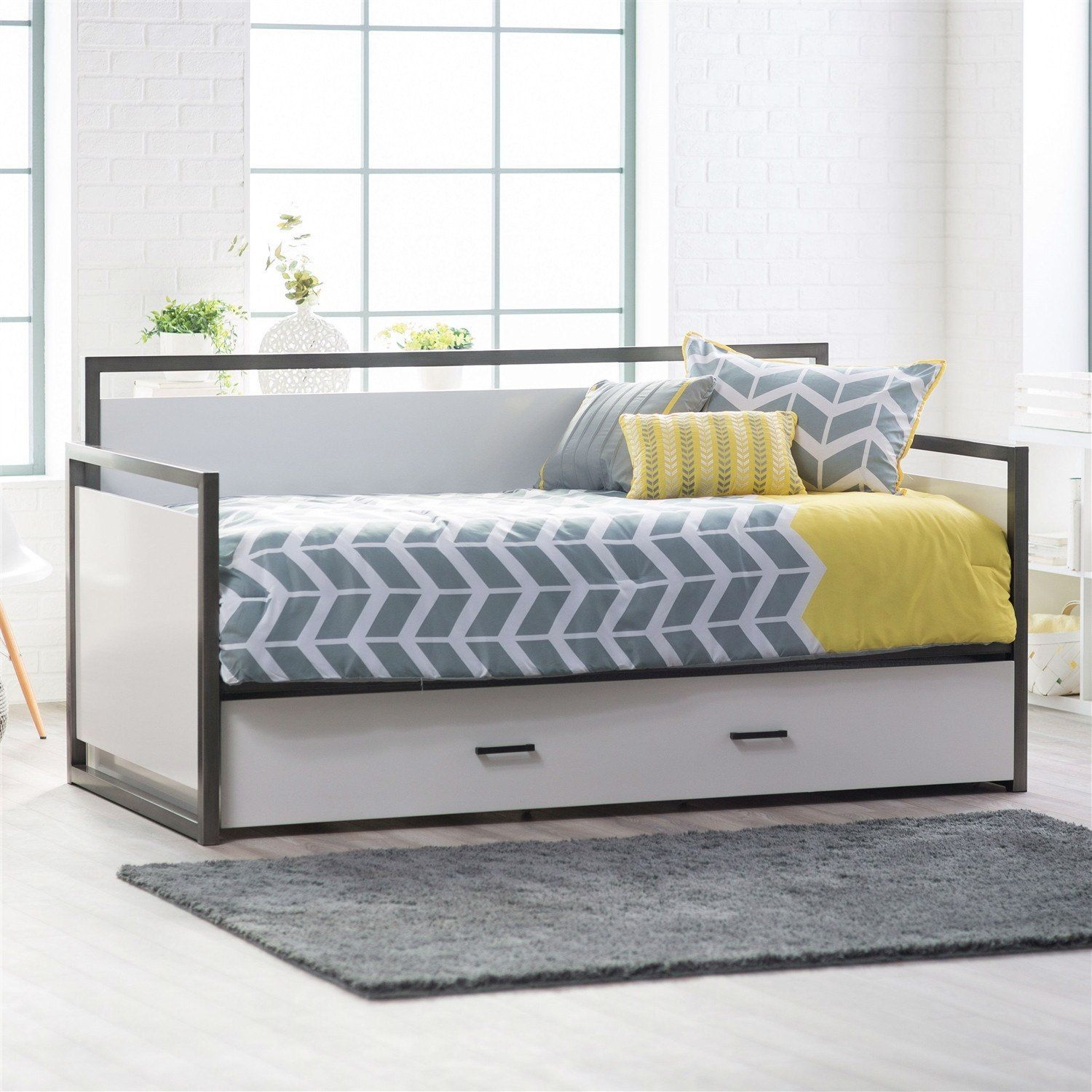 Twin size modern metal frame daybed with pull out trundle bed in glossy white finish