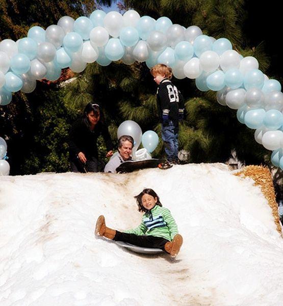 Birthday Table Mountain: Faux Snow Mountain? Sure! @Gloria Contreras.com Http://glo