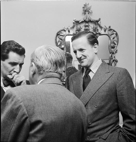 Leonard Bernstein [Men talking to Leonard Bernstein.]