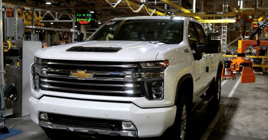 Gm Leans On U S Truck Buyers To Counter Weakness In China The Wall Street Journal Gm Leans On U S Truck Buyers To Counter Toyota Sedan Model American Sales
