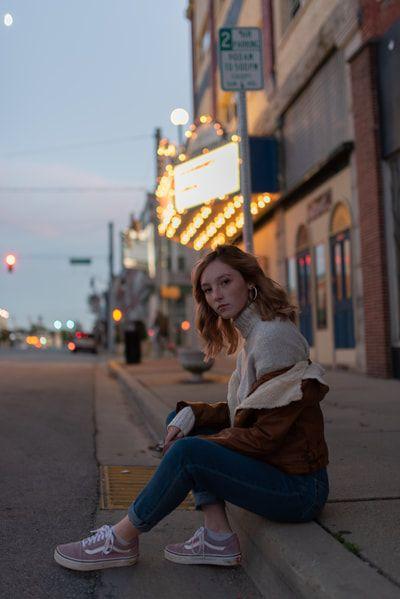 Photo of senior girl photoshoot, senior photography, night portrait