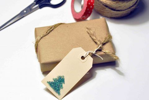 Diy sparkly gift tags glitter gifts christmas holidays and craft diy sparkly gift tags solutioingenieria Choice Image