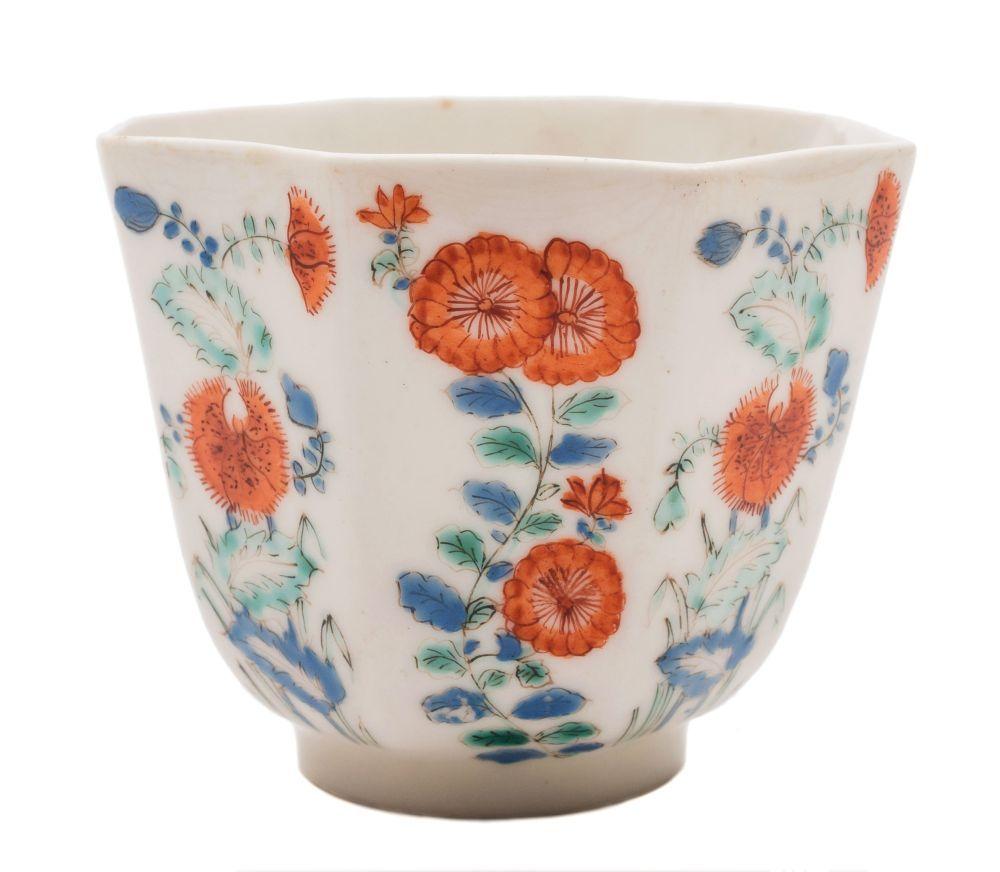 Lot 27 A Chelsea Octagonal Beaker Finely Painted In The Kakiemon Style With Panels Of Flowering Plants In Porcelain Ceramics Beaker Porcelain