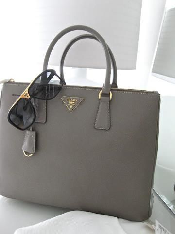 Hotclan Com 2017 Latest Brand Handbags Online Outlet Prada For