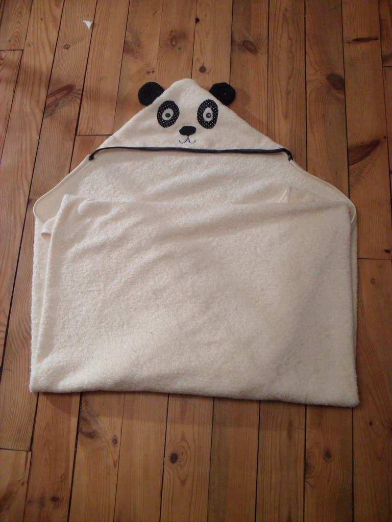 tuto la cape de bain panda cape de bain panda et coudre. Black Bedroom Furniture Sets. Home Design Ideas