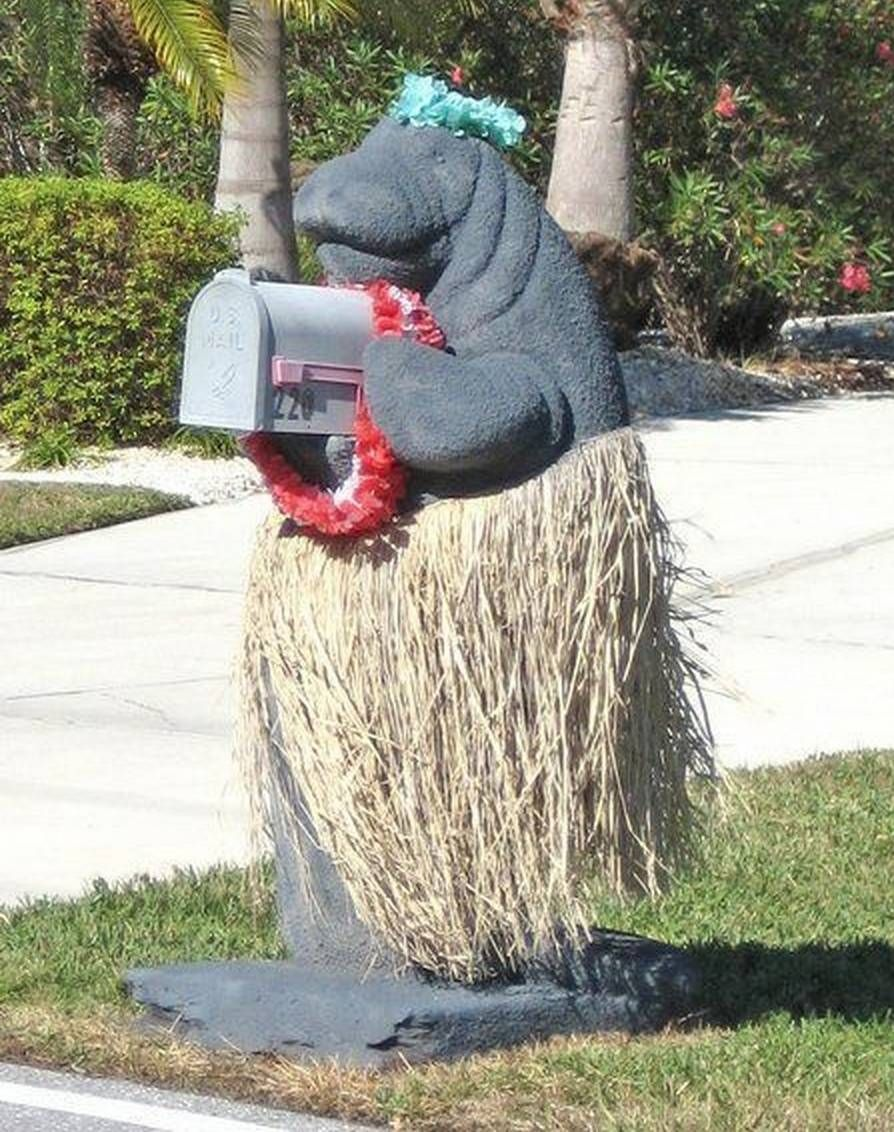 33 Mailboxes That Will Make You LOL