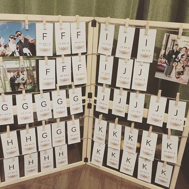 エスコートカードのボードもDIY!! セリアのフレームをくっつけました! 2月挙式 プレ花嫁weddingDIY あと7日 エスコートカード 手作りfortunegarden