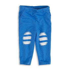 Your little boy can keep all his treasures in three mini pockets each of our blue jersey pants have.