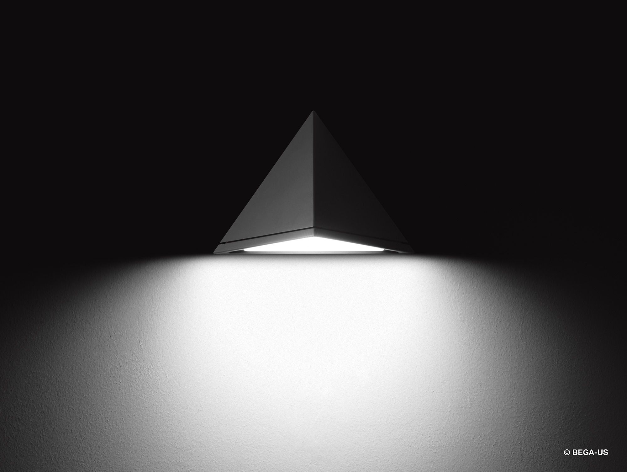 Luminaire Indirect tout wall luminaire with shielded light source; designed for direct