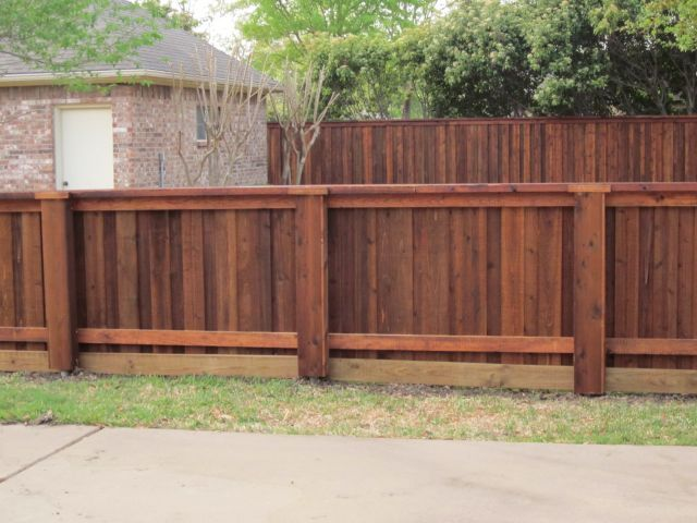Board On Board Fence Pictures 972 245 0640 Wood Fence Design Privacy Fence Designs Fence Design