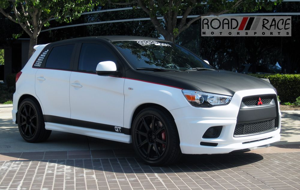 mitsubishi outlander turbo photo 08 | t o y s n o t f o r b o y s