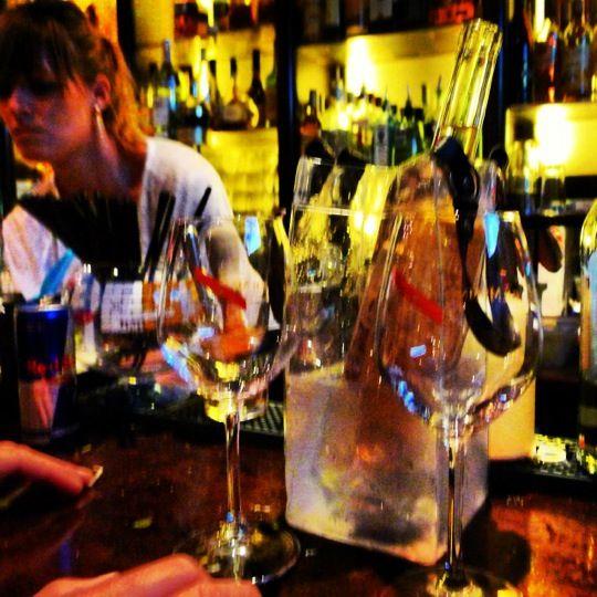 Le Comptoir De L Arc Four Square Fresh Food Drinks