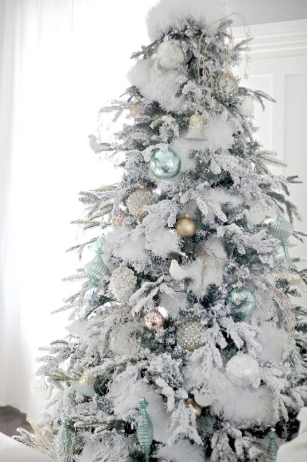 Depending on how you decorate it the white christmas tree for White christmas tree pinterest
