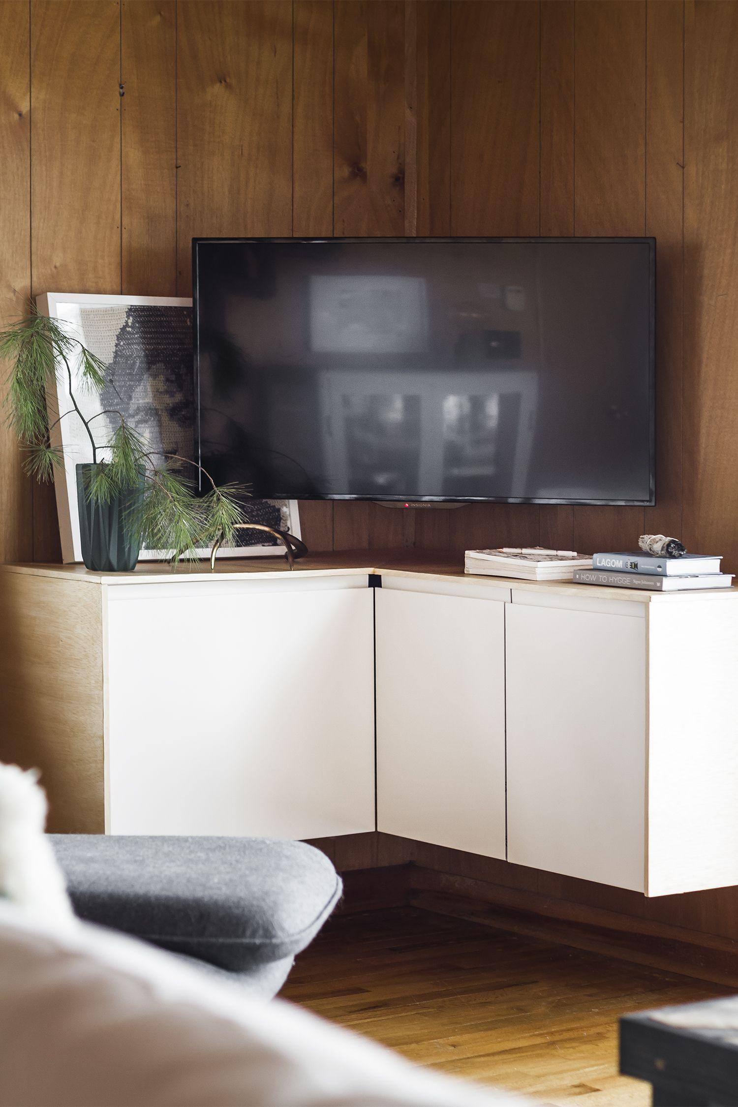 A Solution For The Corner Tv Deuce Cities Henhouse Corne