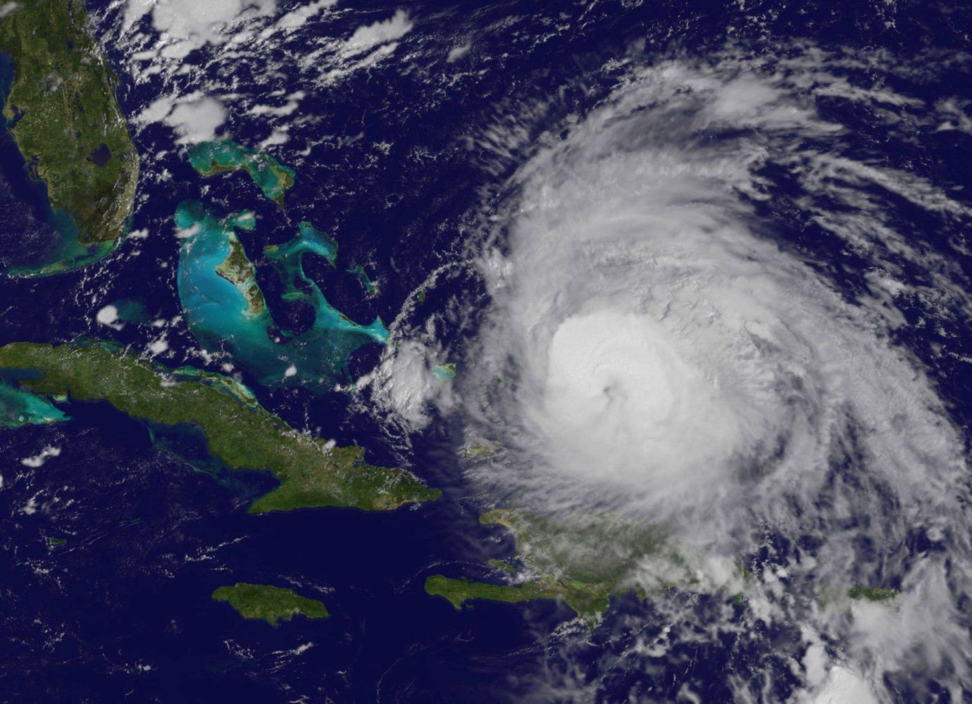 Hurricane Maria Pounds Turks And Caicos As It Heads To The Bahamas Hurricane Turks And Caicos Maria