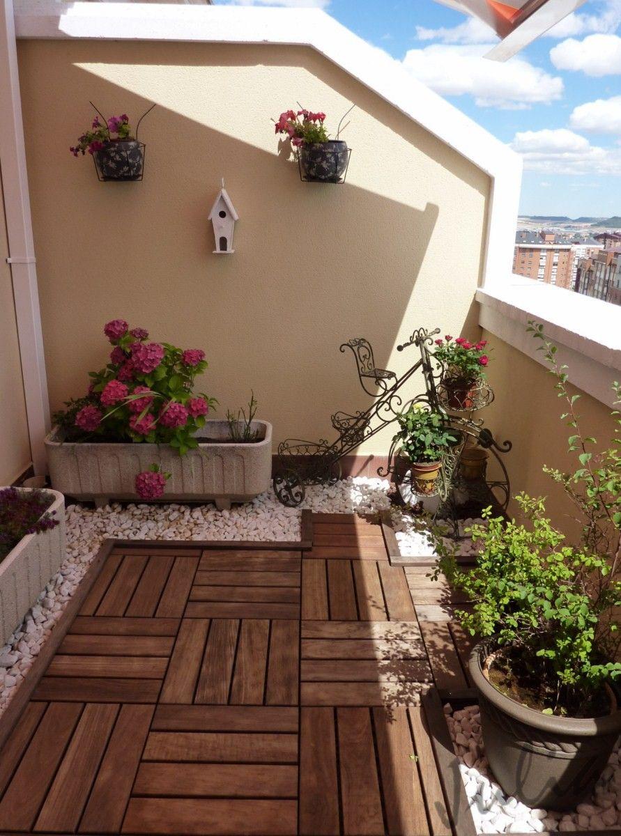 Terraza patios pinterest terrazas balcones y jard n - Holzfliesen balkon poco ...