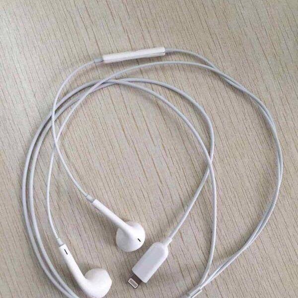 Aparecen nuevas fotos de auriculares Lightning para el iPhone 7