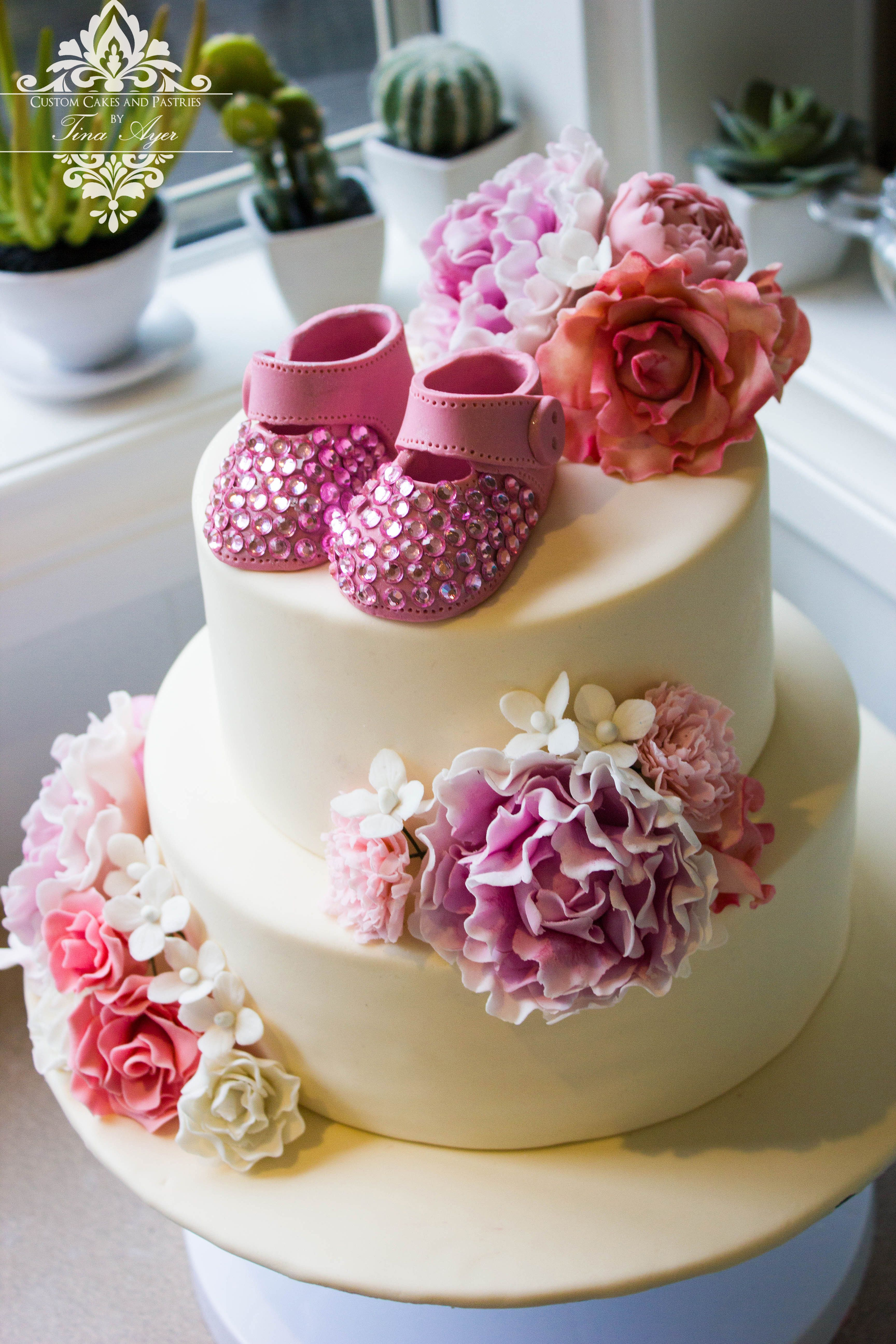 Cream wedding cake with flowers custom cakes and pastries by tina