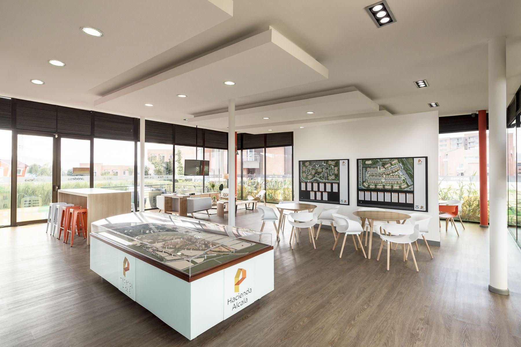 Sala de ventas de prodesa en bogot un proyecto de decoraci n realizado por arquitectura e - Proyecto de decoracion de interiores ...