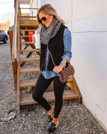 18 Fall Outfits Ideas for Women Casual Comfy and Simple #falloutfitideas #womenfalloutfits #casualfalloutfits - hariankoransuara #winterfashion