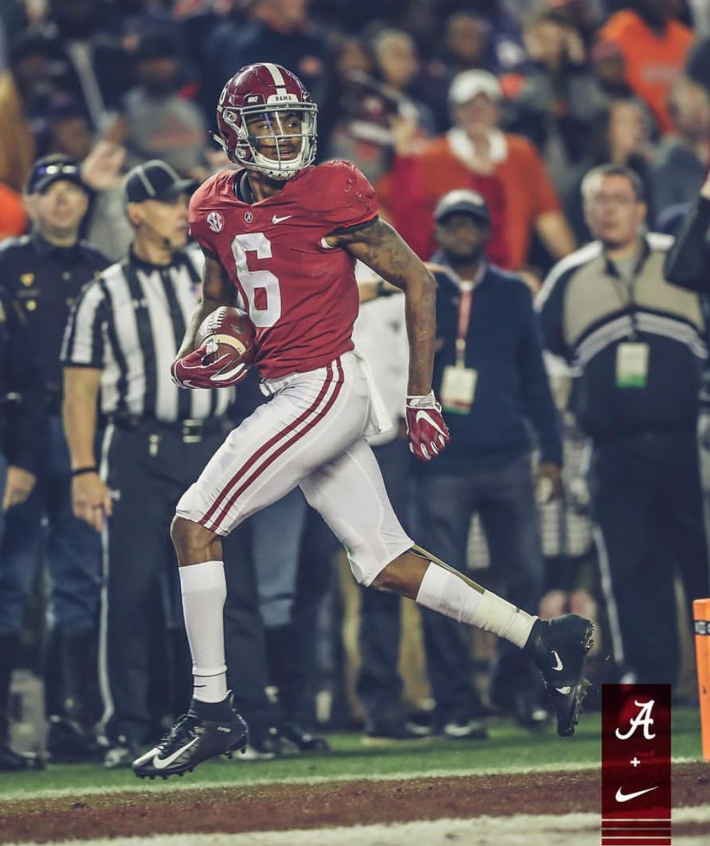 Devonta Smith Alabama 52 Auburn 21 In The 2018 Iron Bowl Alabama Rolltide Bama Builtbybama Rtr Crim Bama Football Alabama Crimson Tide Alabama Football