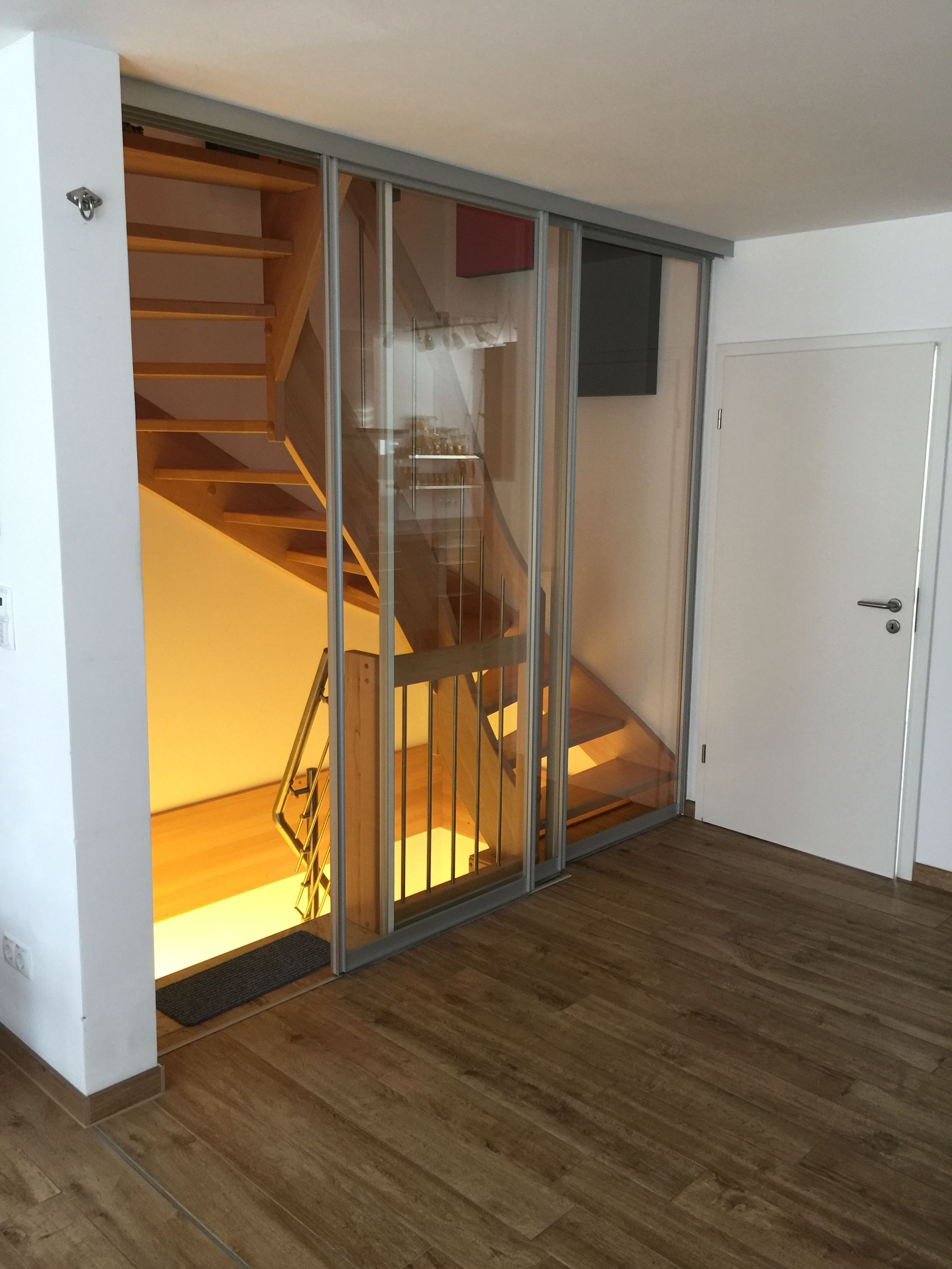 Schiebeturen Treppenhaus Abtrennung Von Door360 Mit Schallschutz Glas Aus Munchen Treppe Haus Treppenhaus Treppe