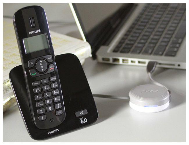 Telefone Voip PLIGG :: [Polishop] :: PLIGG é a evolução do seu telefone fixo.   Fale a vontade pelo tempo que você quiser. Basta conectar PLIGG no seu PC ligado à internet e plugar o seu aparelho de telefone: levante o fone e fale sem LIMITES com qualquer telefone fixo do Brasil! Com PLIGG você recebe um número de telefone pessoal para receber suas ligações onde você estiver, em casa ou em qualquer lugar do Brasil ou do mundo. Ilimitado para qualquer telefone fixo ou celular.