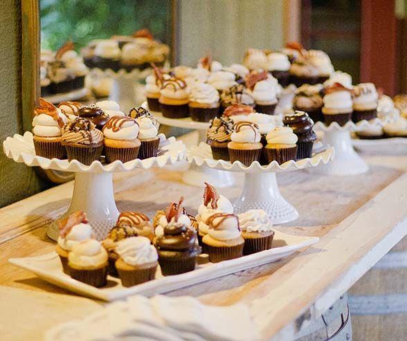 02 17 Rustic Ideas Plum Pretty Sugar | Cupcake wedding, Weddingideas ...