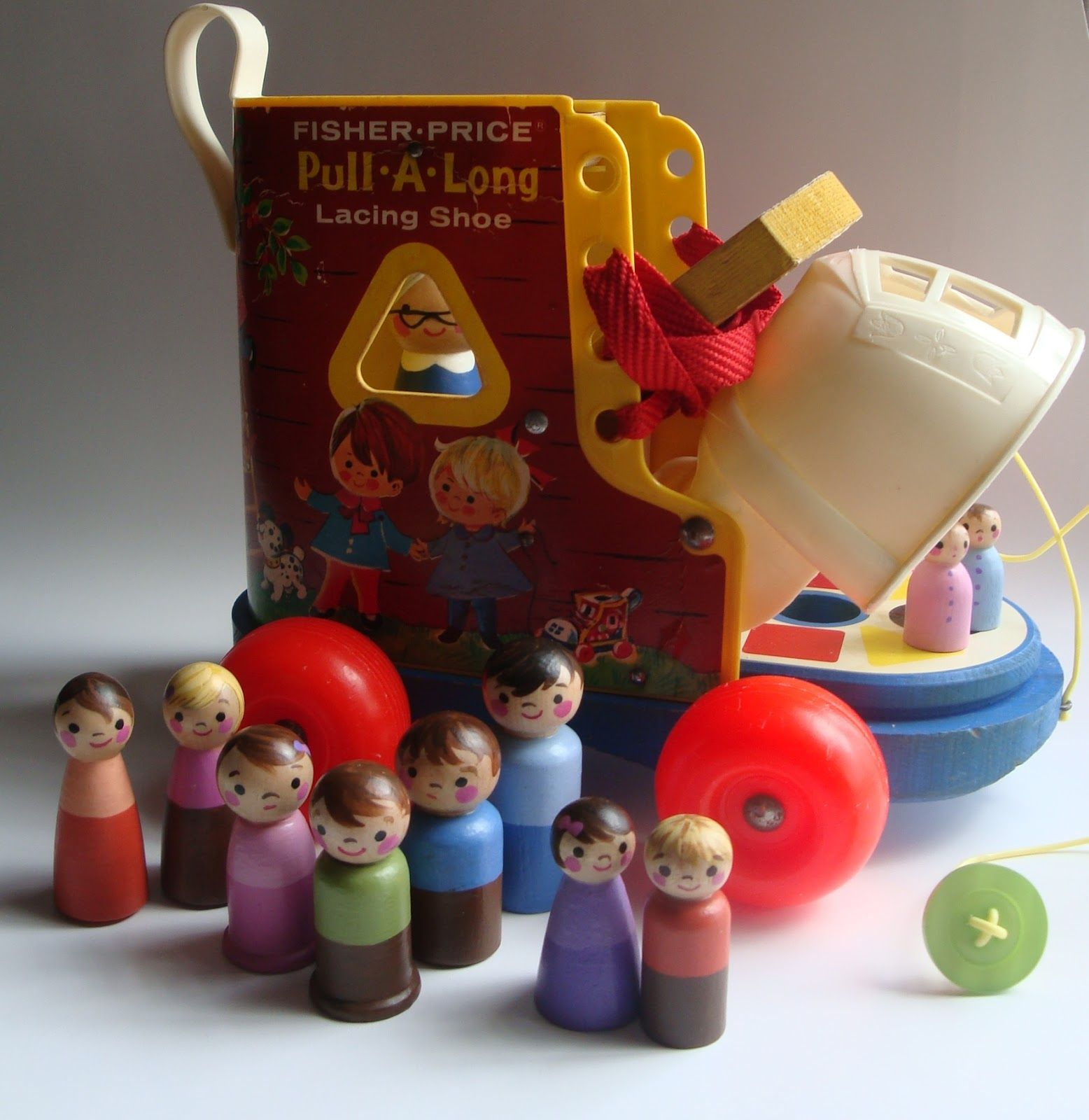 mamazakka Old toys made new  Vintage Fisher Price PullaLong