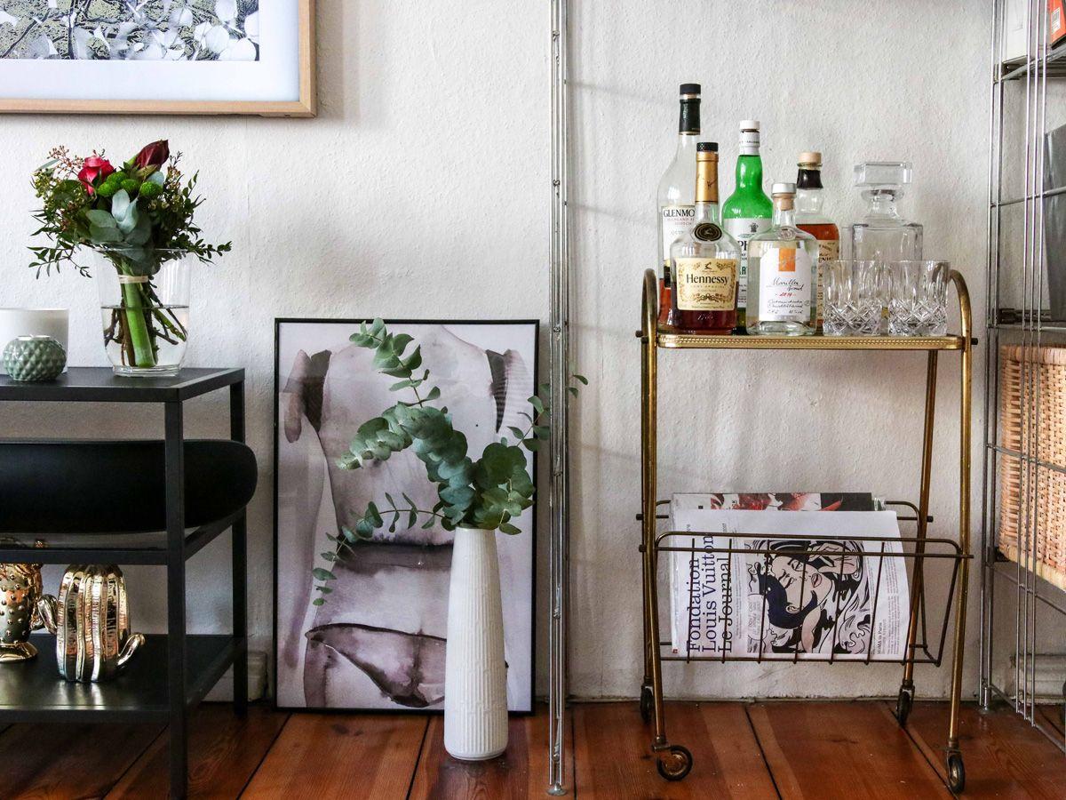 Wohnzimmer Mit Minibar Interior Goldfasan In 2019 Interior