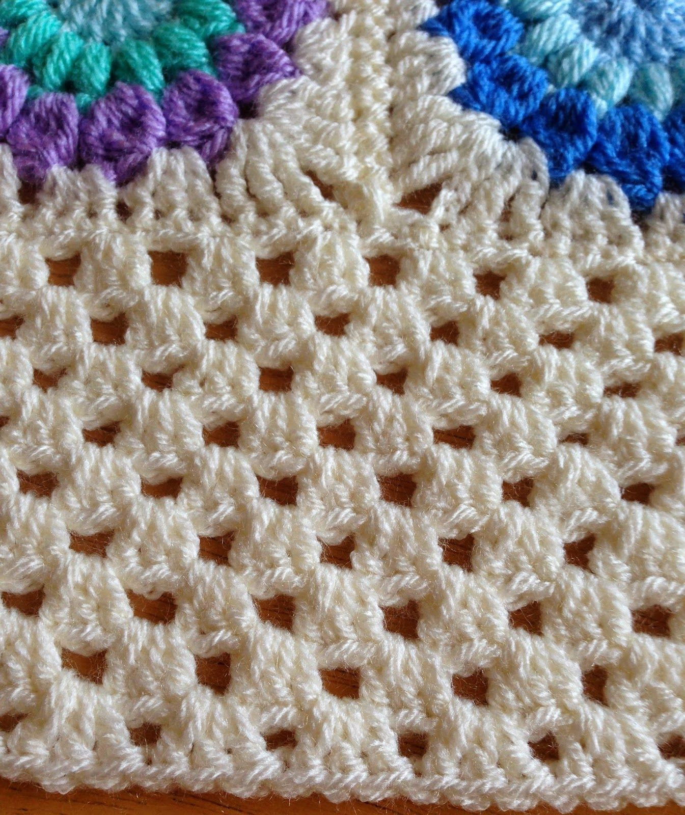 Granny square crochet using shell stitch granny squares and granny square crochet using shell stitch granny squares and stripes 2 bankloansurffo Images