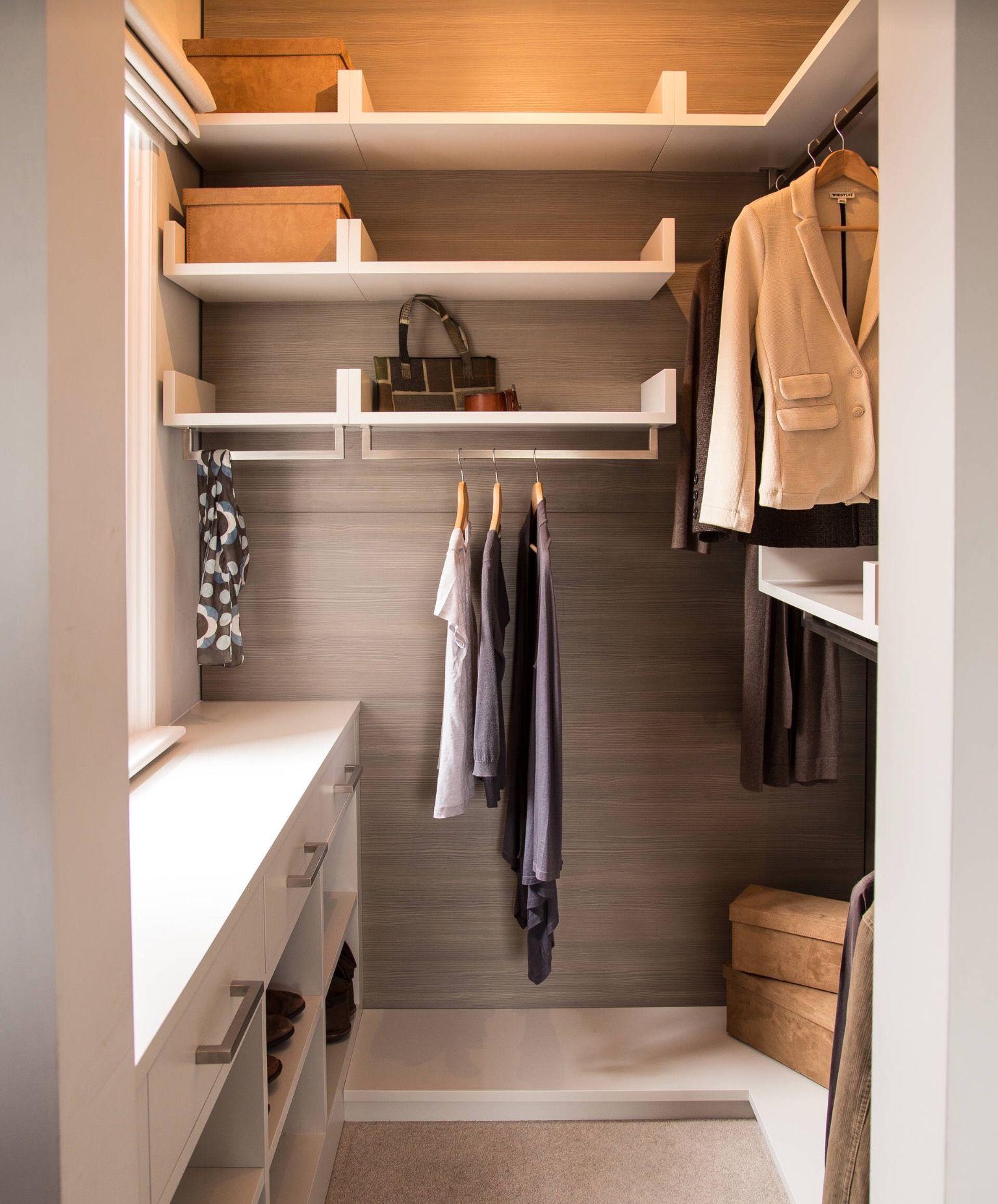 Pin de en dressing room ideas small Pinterest Vestidor