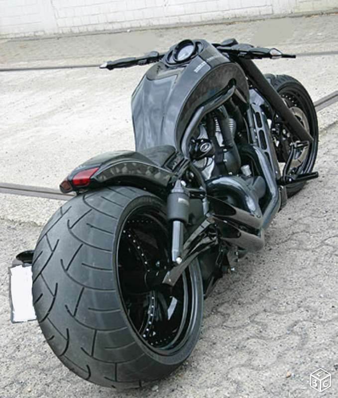 harley vrod night rod maxi show bike pneu 300 motos aisne moto pinterest. Black Bedroom Furniture Sets. Home Design Ideas