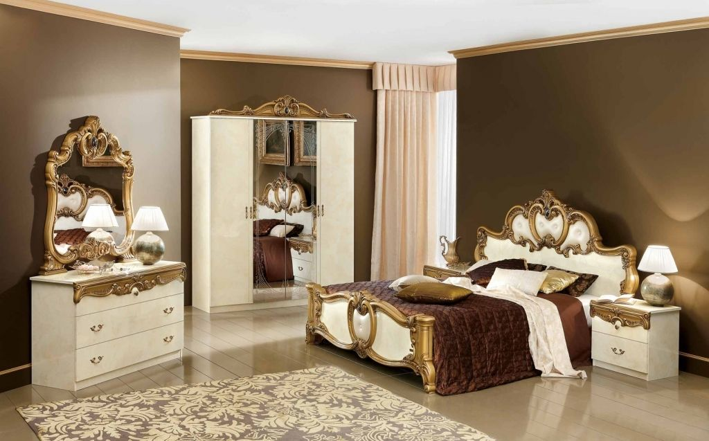 Classic Bedroom Furniture And Mirror Classic Bedroom Furniture And