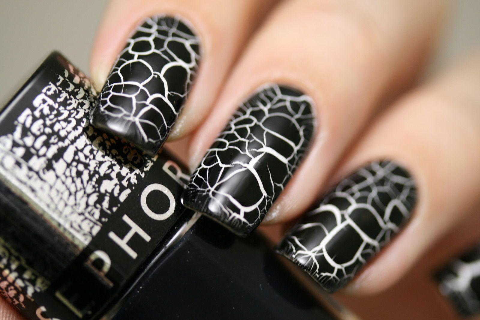 Белый кракелюр на ногтях фото