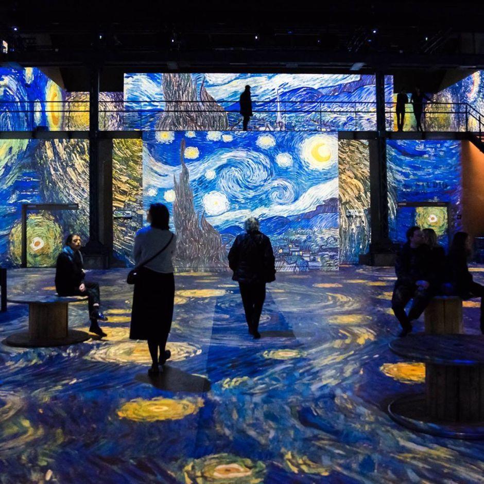 World-famous immersive Van Gogh exhibit is finally visible in the US |  Starry night van gogh, Van gogh paintings, Van gogh