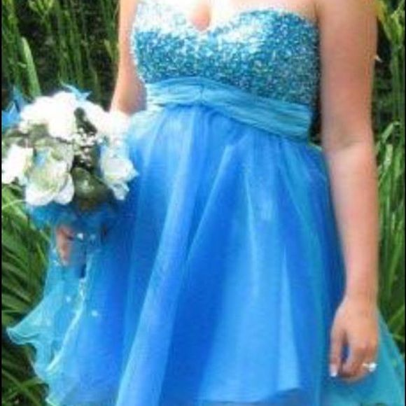Short Blue Prom Dress Size 8 SUPER CUTE, short blue prom dress. Size 8. Good condition except for a few missing beads but I have the replacements and can easily be fixed. Hannah S Dresses Mini