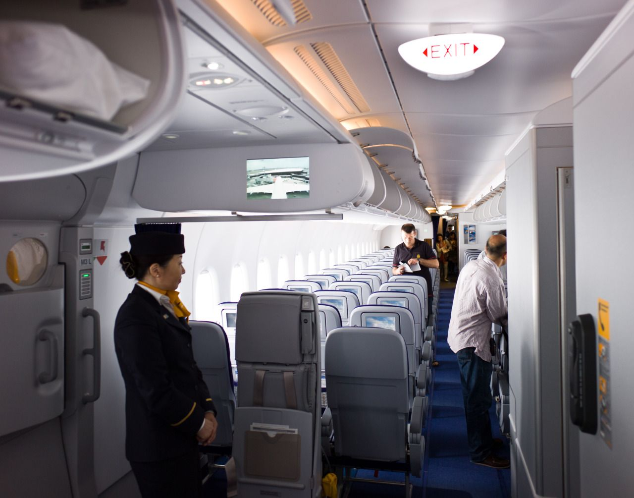 lufthansa airbus a380 flight to narita tokyo interior economy class airlines n 1st. Black Bedroom Furniture Sets. Home Design Ideas