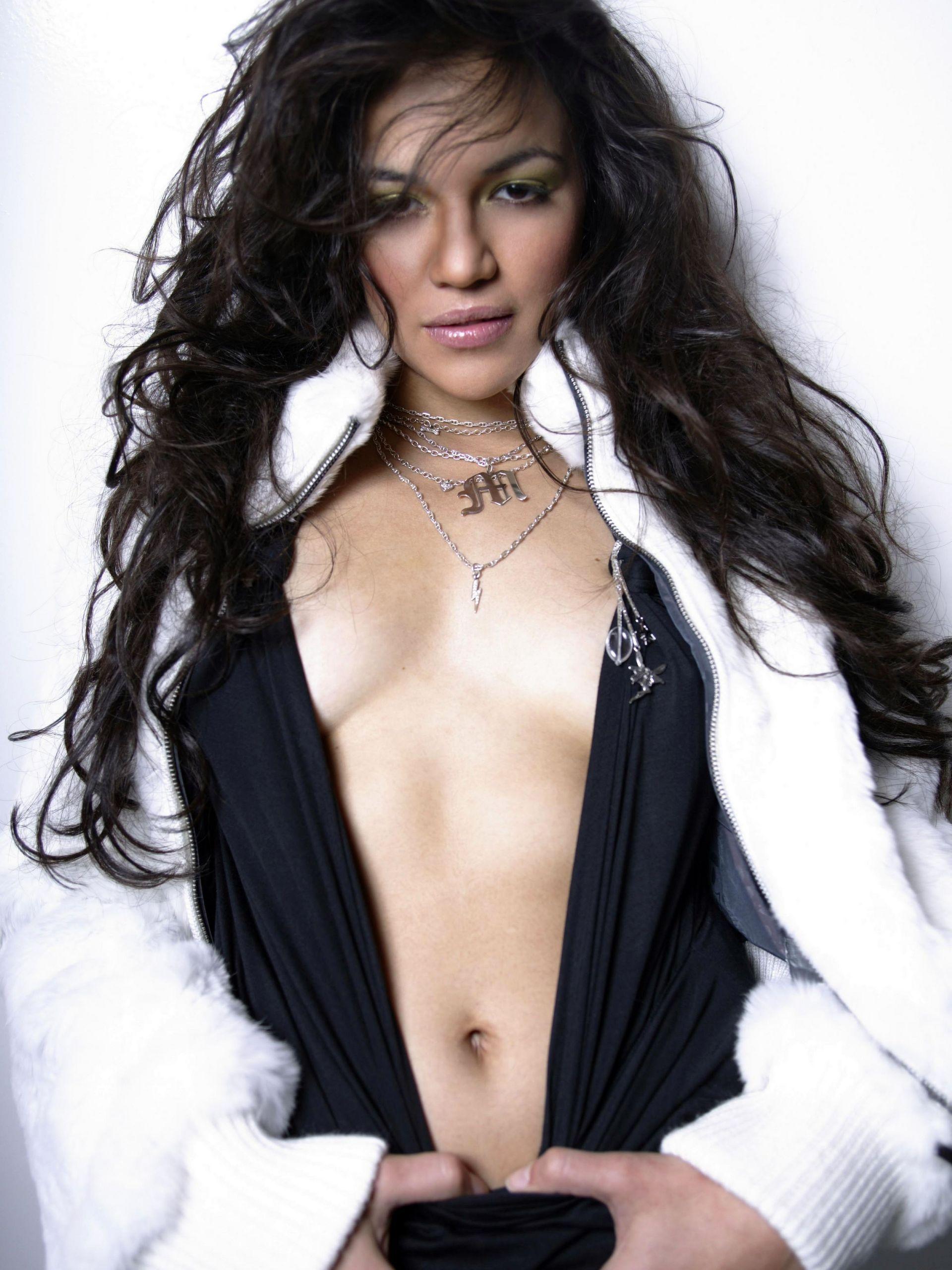 Michelle rodriguez sexy new foto