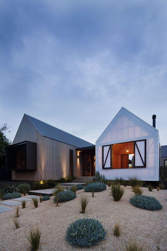 Tri pavilion architecture breathes new life front steps into barwon heads beach house designhunter australias best architecture design blog
