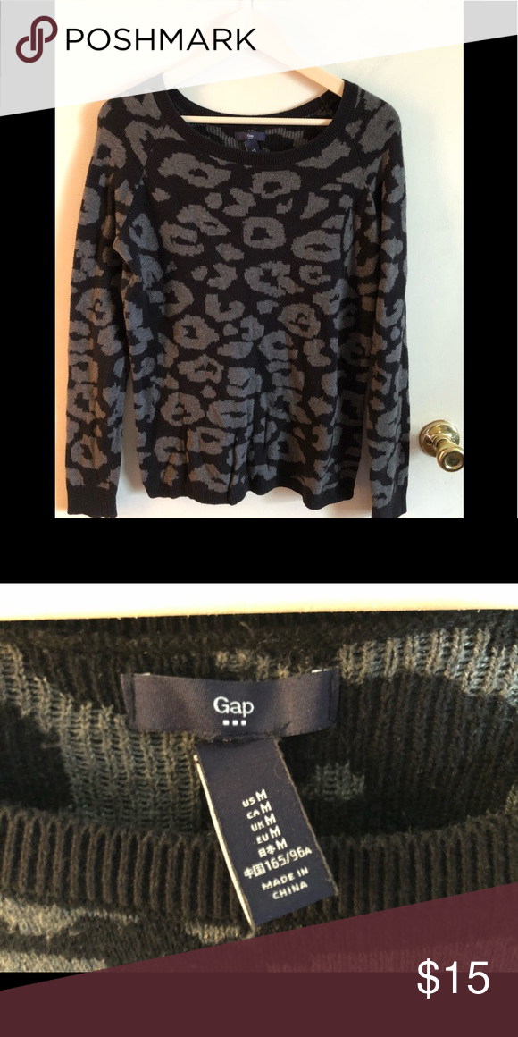 988a646ff8 GAP animal print sweater ✨ is in great condition ✨ only rip is where the tag