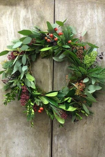 how to make your own christmas wreath httpwwwweddingandweddingflowerscoukarticle1374how to make your own christmas wreath