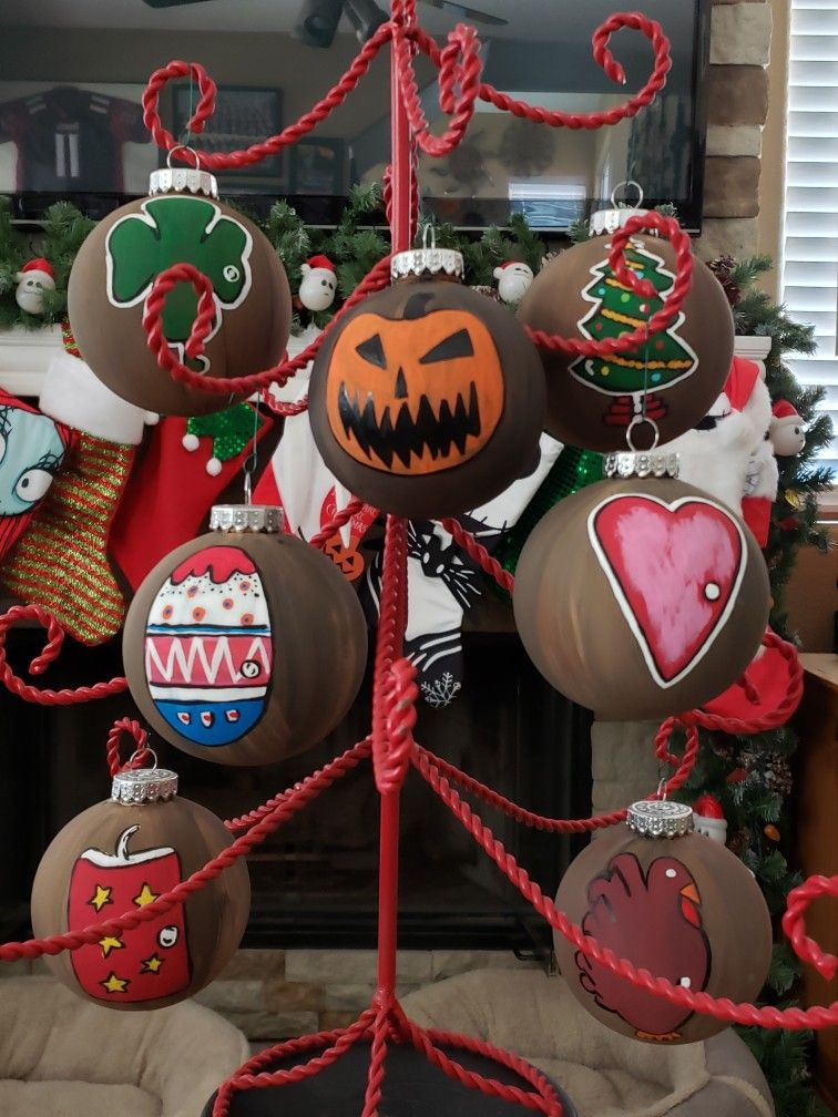 7 Holiday Doors ornaments Nightmare before christmas
